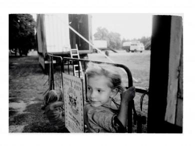 Nadja Massun: L´attente, 2005 digital print / 51 X 36
